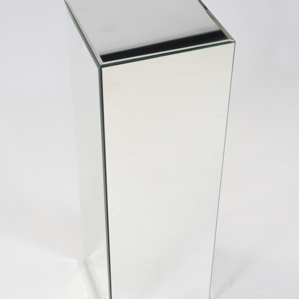 Mirror plinth to hire