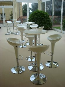 Mojito poseur stool in white and silver