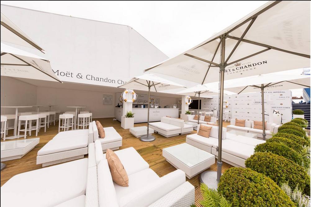 Rattan Sofa Chairs Split Into Modular Set Ups ...