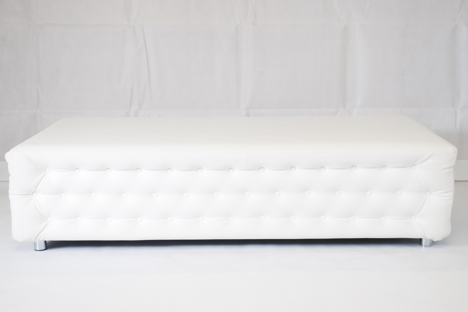 White Chesterfield Bench Hire Rio Lounge