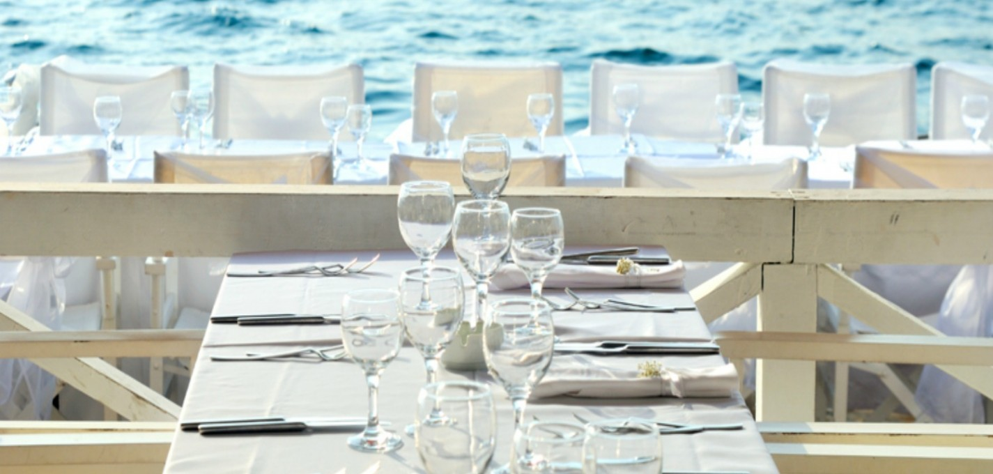 wedding furniture hire: Miami glamour
