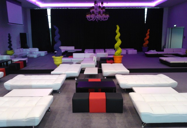 Lola Daybed Hire Rio Lounge