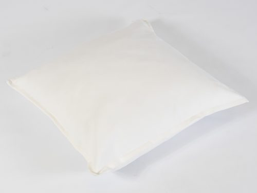 Scatter cushion in white