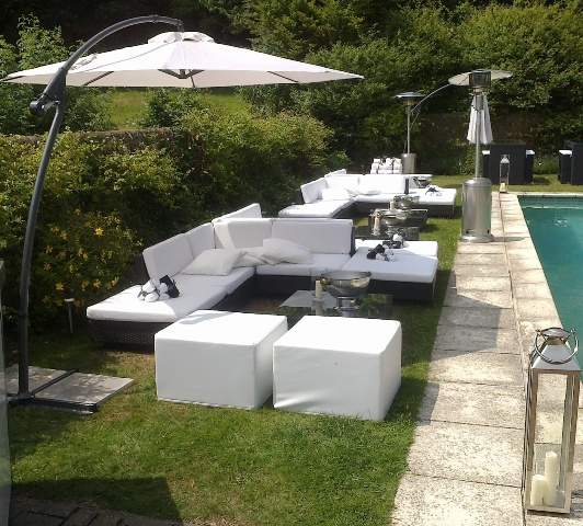 cantilever umbrella hire for pool party