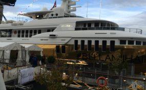 golden-yacht-bellami