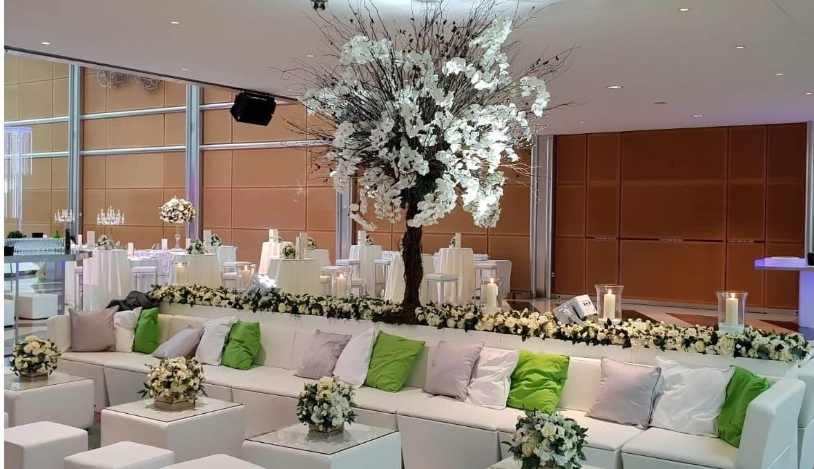 Sofa hire: London wedding