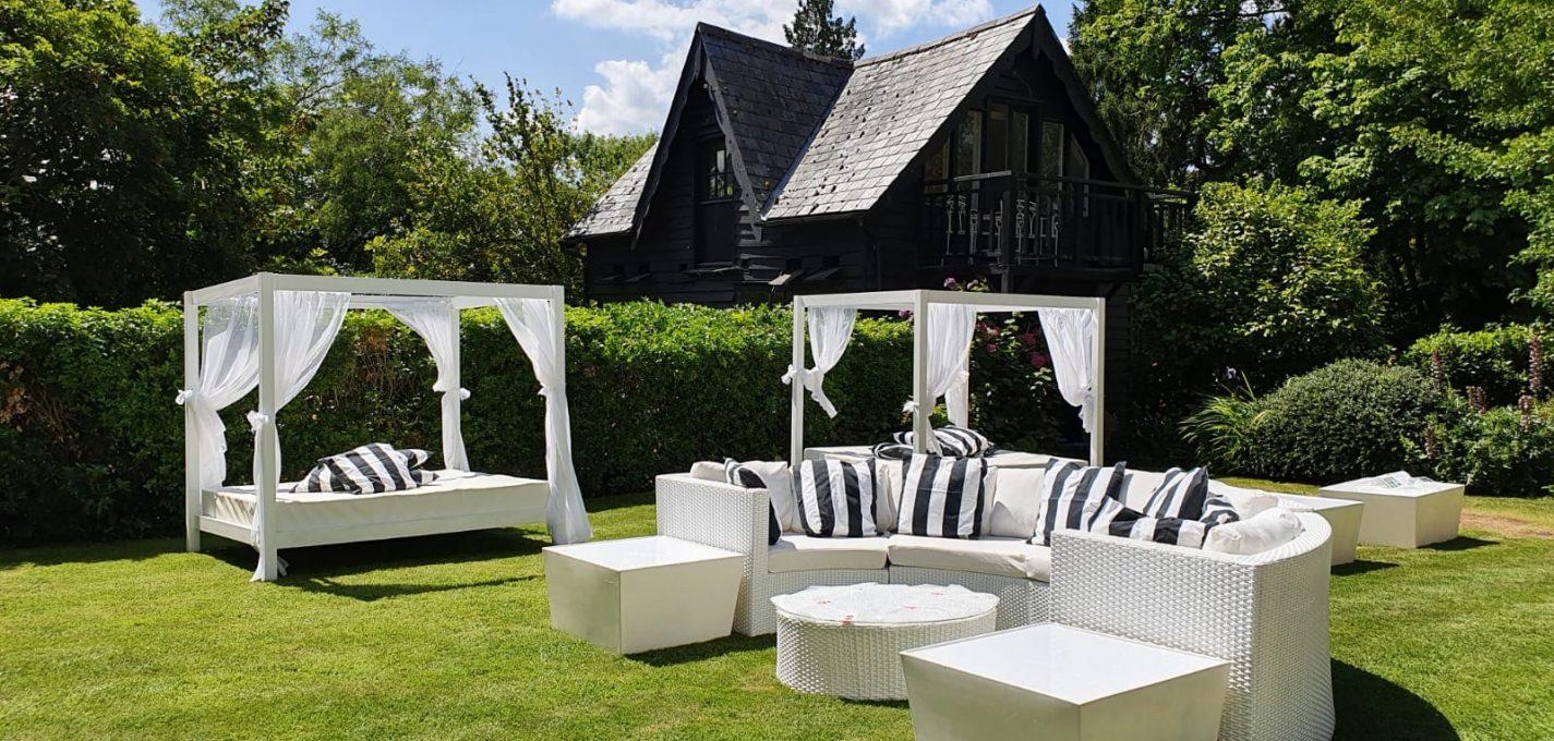 hire garden furniture
